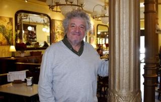 Paco Novelty en el Café